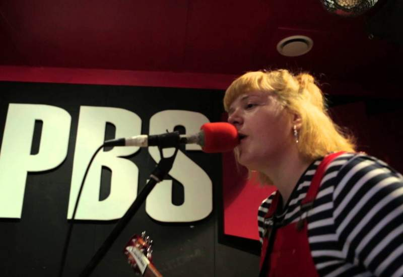Loose Tooth 'Bites Will Bleed' - PBS 106.7FM's Studio 5 Live