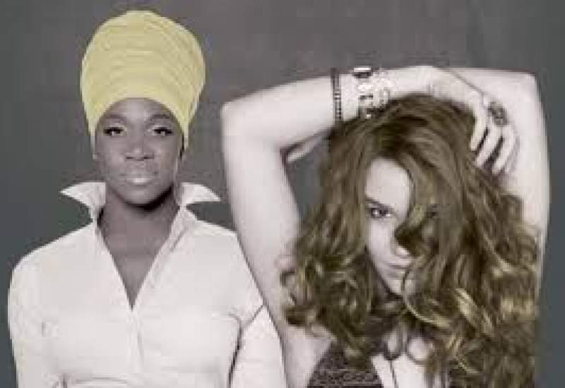 https://www.pbsfm.org.au/sites/default/files/images/Joss Stone and India.Arie_.jpg