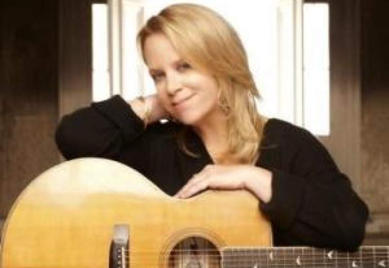 https://www.pbsfm.org.au/sites/default/files/images/Mary Chapin Carpenter.JPG
