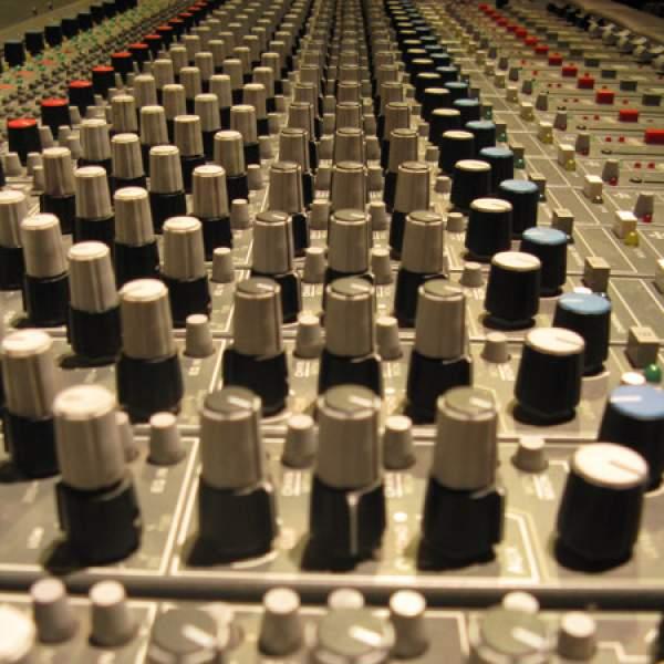 B P M - Beats, breaks & mixes with PBS DJs & Guests   PBS FM